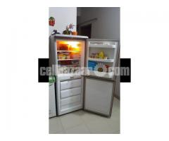 Kelvinator refrigerator - Image 2/4