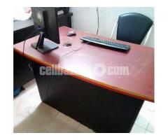 Executive Table In low price