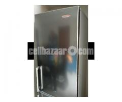 Singer Refrigerator - Image 1/4