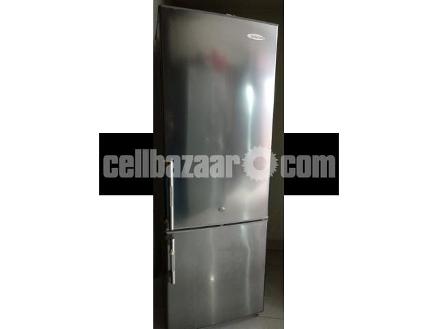 Singer Refrigerator - 3/4