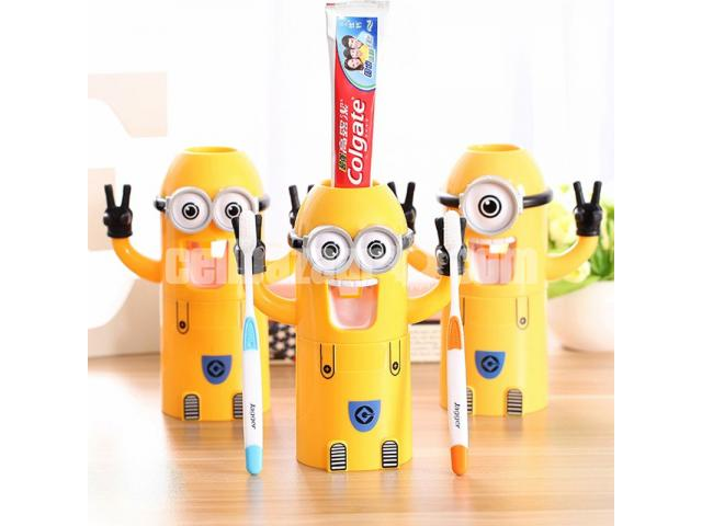 Minions Brush Holder - 2/5