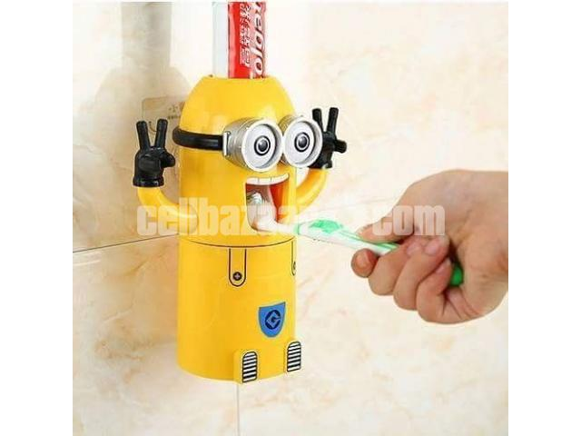 Minions Brush Holder - 3/5