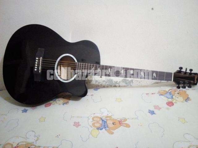 FLODA BLACK FULL NEW AND FRESH GUITAR - 1/5