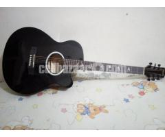 FLODA BLACK FULL NEW AND FRESH GUITAR
