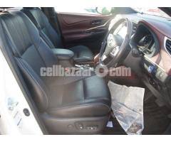 TOYOTA HARRIER PEARL - Image 5/5
