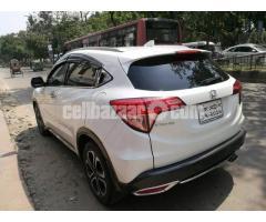 Honda Vezel S- Package 2014 - Image 4/5