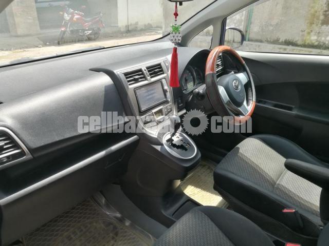 Toyota Ractis 2011 - 3/5