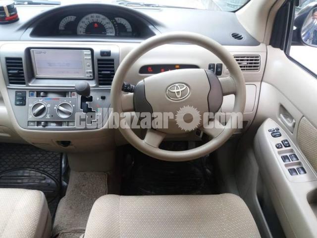 Toyota Raum 2010 - 3/5