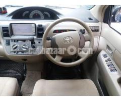 Toyota Raum 2010 - Image 3/5
