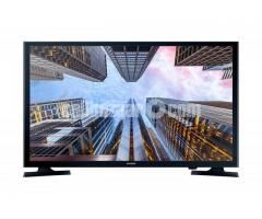 Samsung M5000 LED television has 40 inch screen