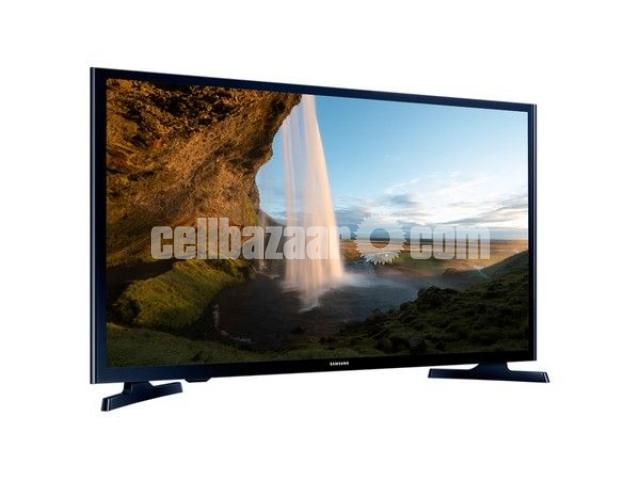 Samsung M5000 LED television has 40 inch - 3/5
