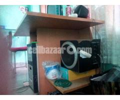 Computer Table - Image 1/5