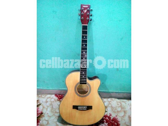 Acoustic Guitar (Yamaha) - 1/5