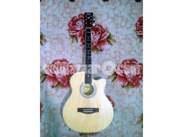 Acoustic Guitar (Yamaha) - 2/5