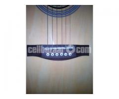 Acoustic Guitar (Yamaha) - Image 4/5