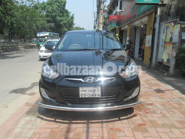 Hyundai accent blue 2011 - 1/5