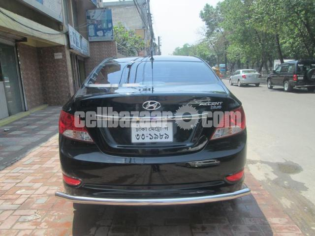 Hyundai accent blue 2011 - 5/5