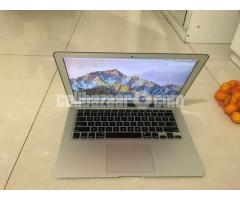Apple Macbook Air_2015 Core i5_8GB