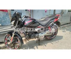 Hero Honda (CBZ EXTRME)