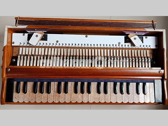 Sur-Niketon Harmonium (3.5 Octave) - 1/5
