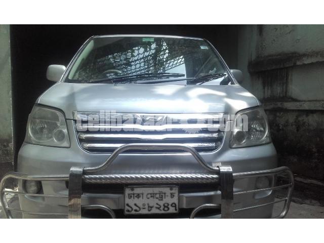 Toyota X Noah 2004/2007 - 3/4
