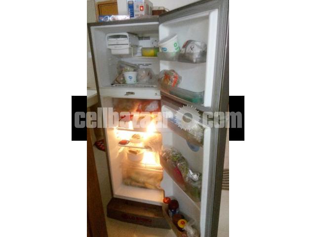 LG Refrigerator- 10 cft - 2/5