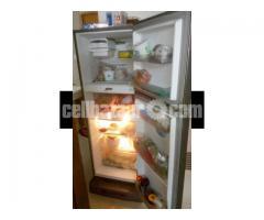 LG Refrigerator- 10 cft - Image 2/5