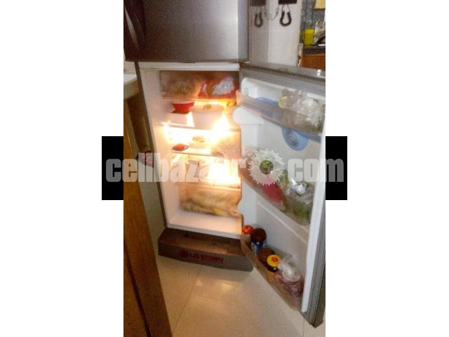 LG Refrigerator- 10 cft - 3/5