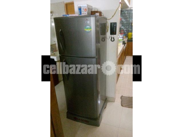 LG Refrigerator- 10 cft - 4/5