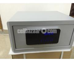 Password Touch Screen Electronic Safenter name of item - Image 2/4