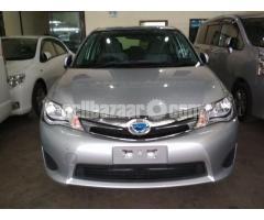 Toyota Axio Hybrid 2013