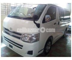HIACE GL WHITE COLOR