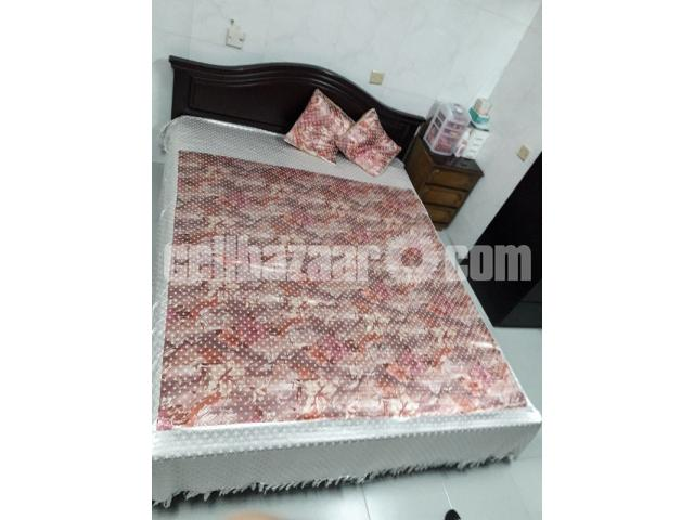 Queen bed (HATIL) - 1/4