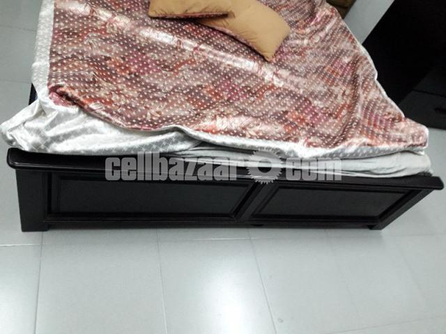 Queen bed (HATIL) - 3/4