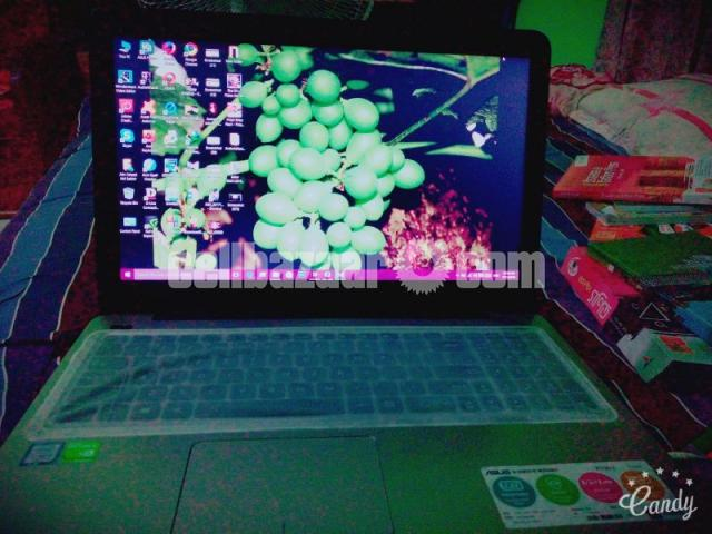 Asus laptop with warranty - 1/2