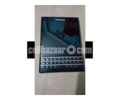 Blackberry(Passport)
