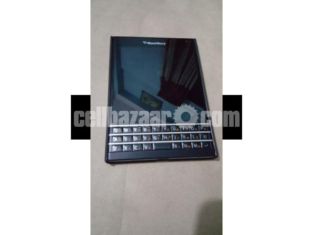 Blackberry(Passport) - 4/5