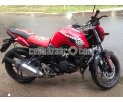YAMAHA FZ-s red dual pickup