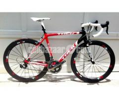 New 2011 Trek Madone 6.9 Bike
