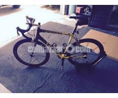 New 2011 Trek Madone 6.9 Bike