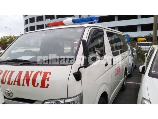 TRH200-0193012 ambulance new shape - 1/4