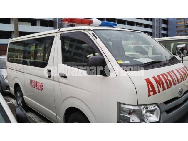 TRH200-0193012 ambulance new shape - 2/4