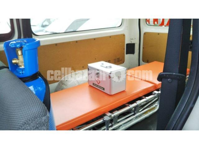 TRH200-0193012 ambulance new shape - 3/4