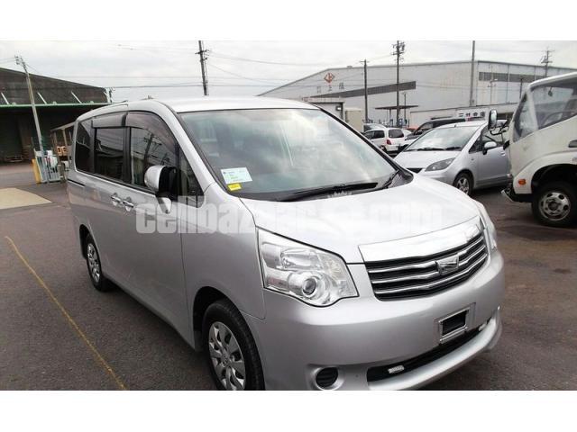Toyota Noah X Silver 2013 Model - 1/3