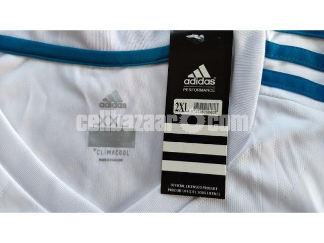 Real Madrid Home Jersey - 2/5