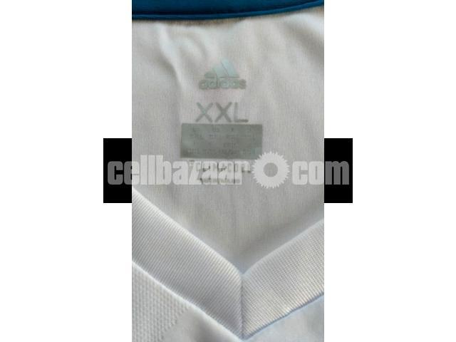 Real Madrid Home Jersey - 4/5