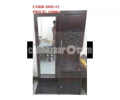 EXCLUSIVE DRESING TABLE