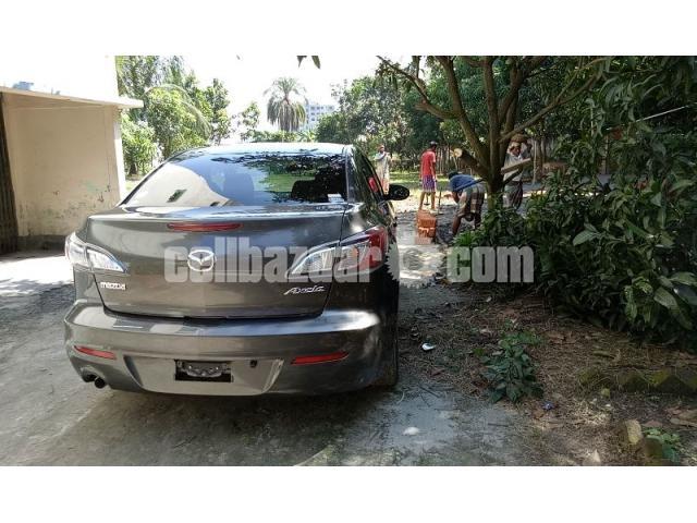 Mazda axela 2011 - 2/5