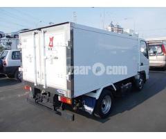Mitsubishi canter freezer van
