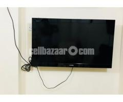 """SONY Television / 40"""" Inchs (Color-BLACk) !!!"""